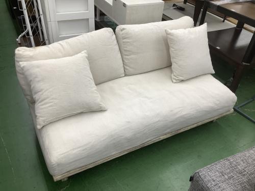 ソファーのカバーリングソファー