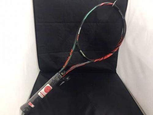 テニスのYONEX