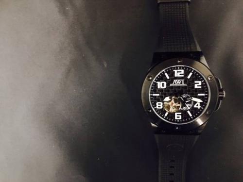 腕時計のAWI