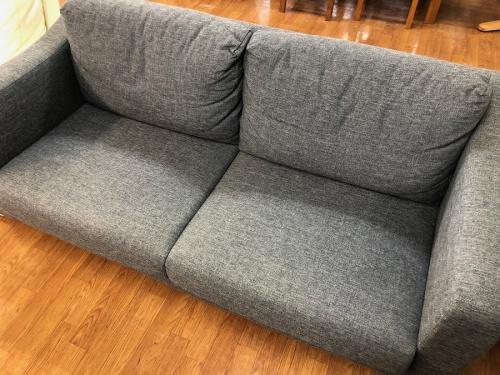 家具の2人掛けソファ-