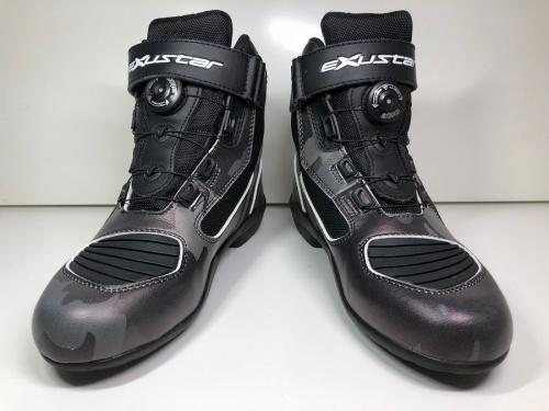 バイクのブーツ