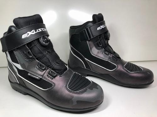 ブーツのEXUSTAR