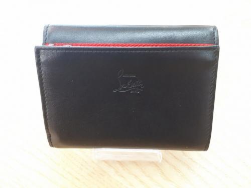3つ折り財布のChristian Louboutin