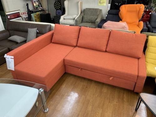 カップボード・食器棚のソファー