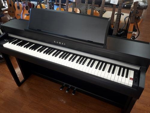 楽器の電子ピアノ