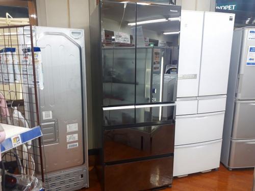 生活家電の6ドア冷蔵庫