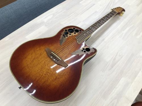 エレアコギターのアコースティックギター