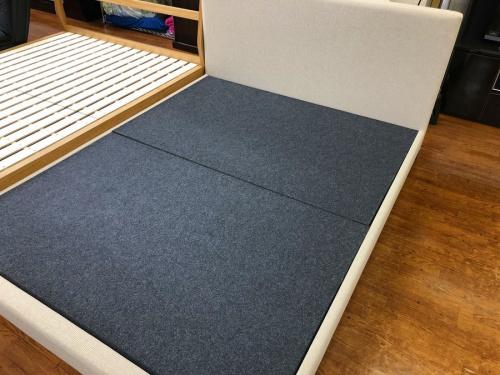 家具のベッドフレーム