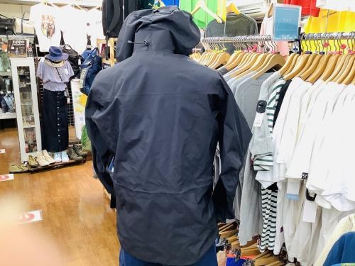 アルファSVジャケットのメンズアウター
