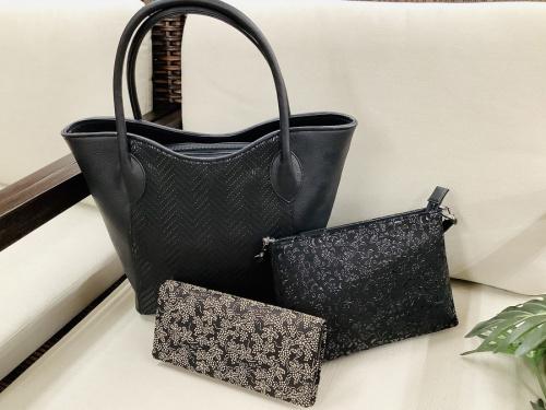 印傳屋(いんでんや)のバッグ・財布