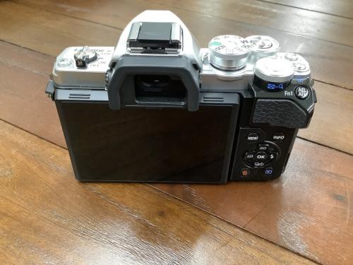 一眼レフカメラの中古カメラ  レンズ