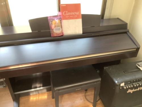 電子ピアノの電子キーボード