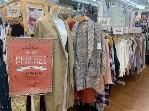レディースファッションの春物衣類