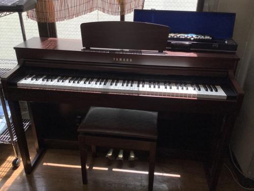 中古ギターの電子ピアノ