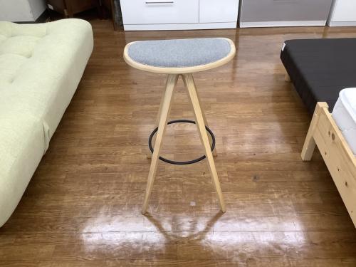 家具のスツール