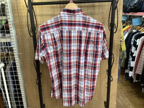 チェックシャツの夏服