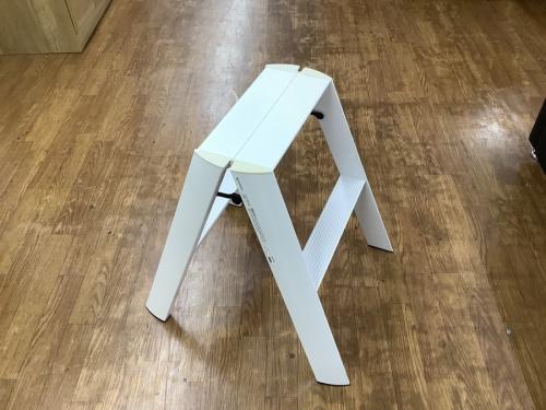 家具の脚立