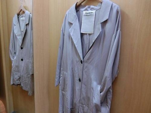 レディースファッションのスプリングコート