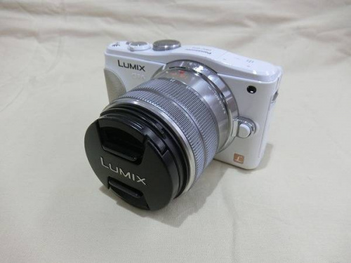 デジタル家電のデジタルカメラ