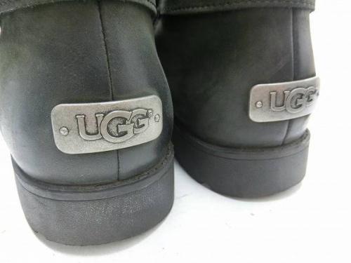 ブーツのアグ(UGG)