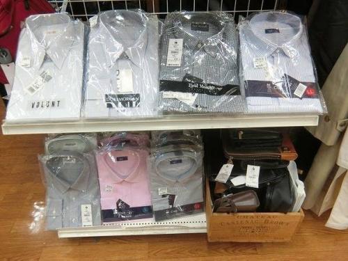 ビジネスアイテムのスーツ