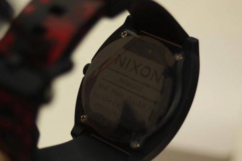 ニクソン(NIXON)のバレンタインデー