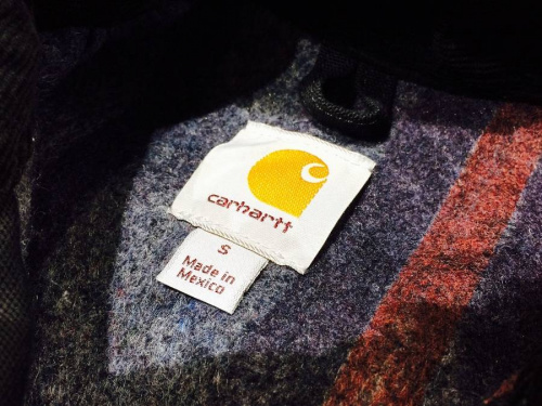 ジャケットのCarhartt
