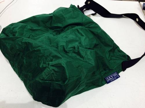 ジャケットのColumbia