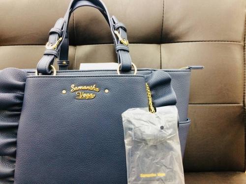 レディースファッションのハンドバッグ