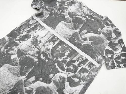 Tシャツのラフシモンズ