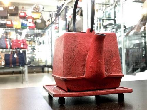 雑貨の鉄瓶