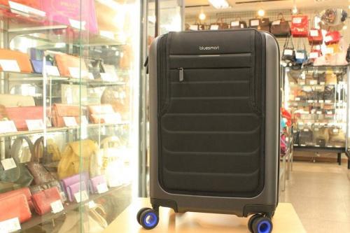 未使用品のスーツケース
