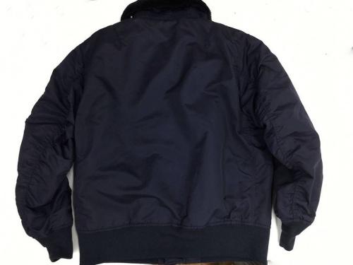 ジャケットのB15フライトジャケット