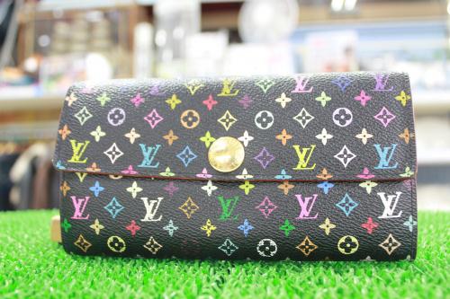 人気ブランドバッグ特集の財布