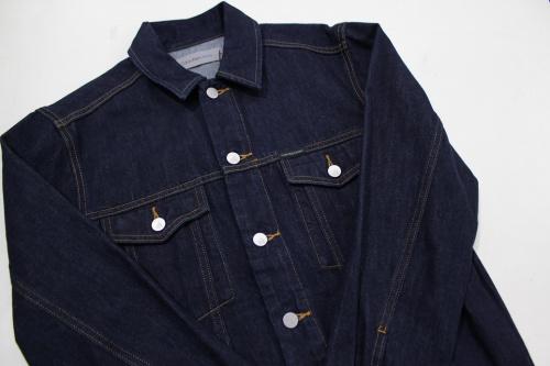 ジャケットのCalvinKlain