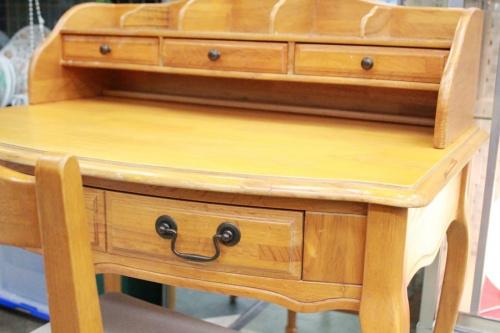 テーブルのアンティーク家具