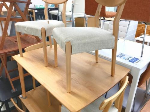 生活家具 中古のテーブル イス