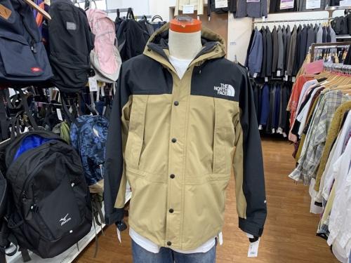 ジャケットのマウンテンライトジャケット