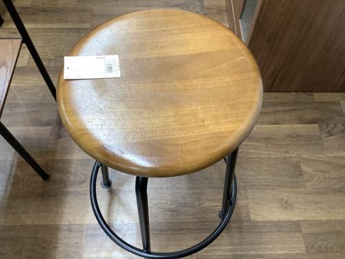 テーブルのLIVING TERRITORY TABLE