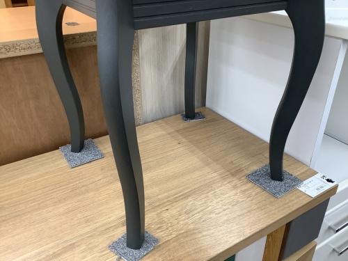 サイドテーブルの東浦和 ブランド