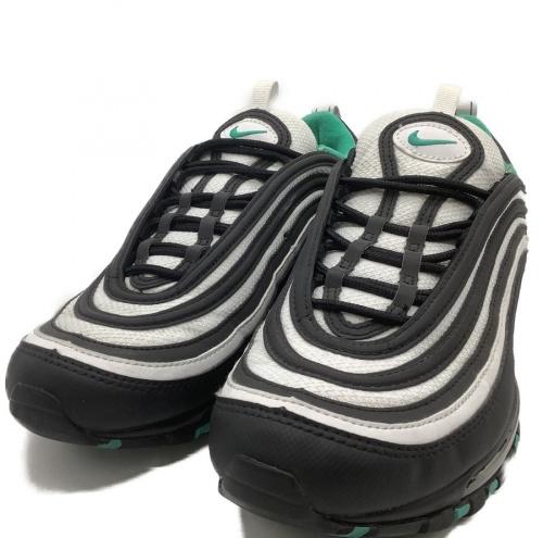 靴のスニーカー 浦和