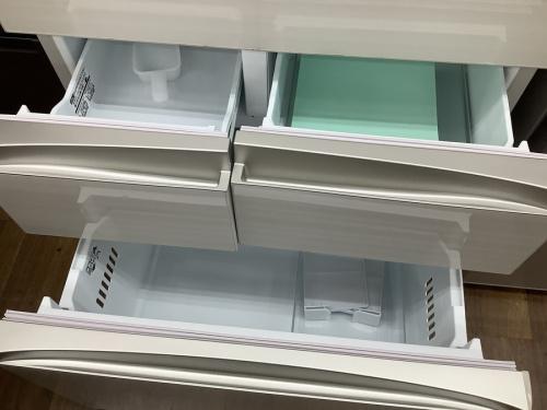 6ドア冷蔵庫のTOSHIBA