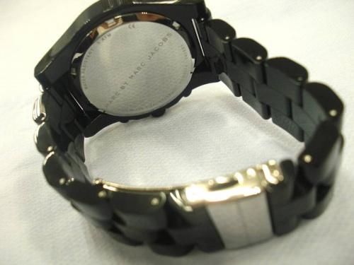 腕時計のクォーツ