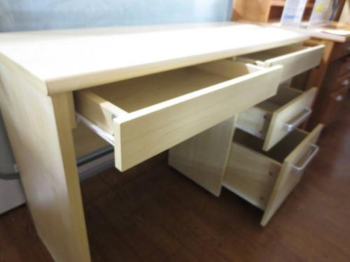 大塚家具のデスク