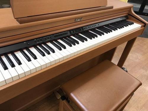 電子ピアノのROLAND
