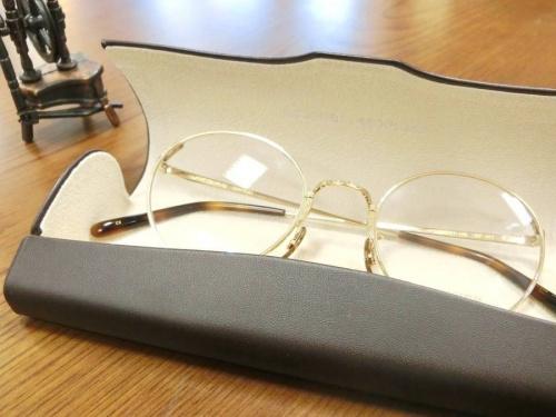 眼鏡のOLIVER PEOPLES
