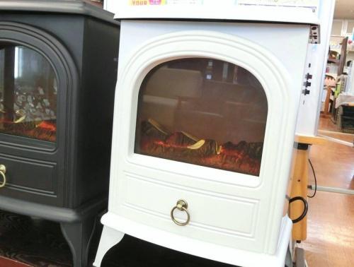 暖炉型ヒーターのNOSTALGIA