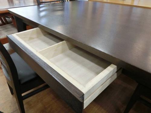 中古家具の中古テーブル