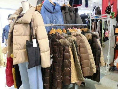ダウンジャケットのレディースファッション
