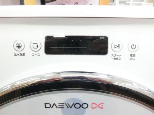 ドラム式洗濯機の上尾